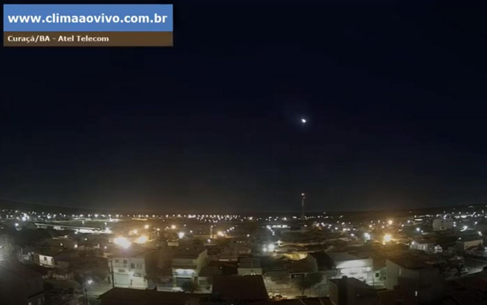 Meteoro luminoso é visto em cidades do Nordeste, e astrônomo diz: 'como uma bola de fogo cruzando o céu'