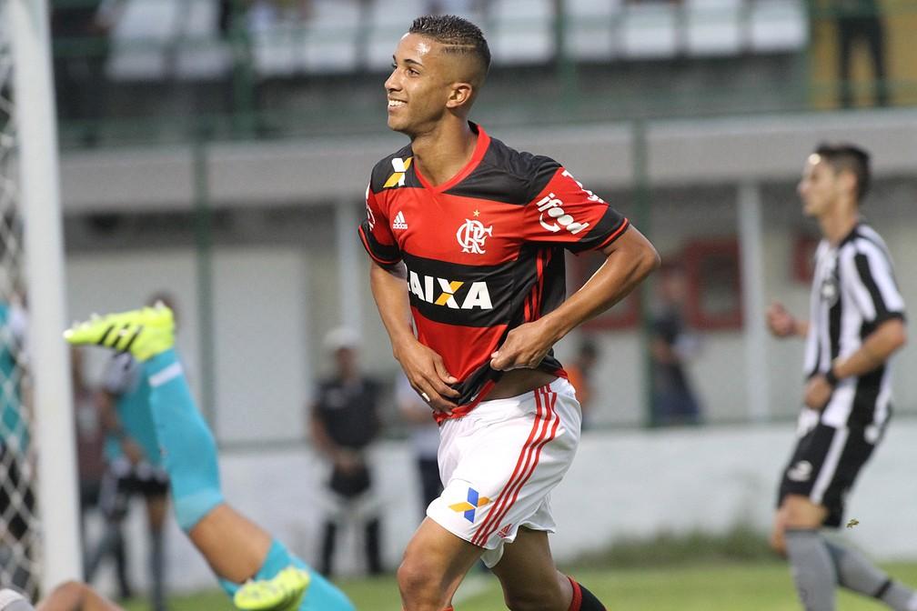 Jorge, Garoto do Ninho, após marcar em clássico contra o Botafogo — Foto: Gilvan de Souza/Flamengo