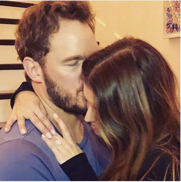 A foto na qual o ator Chris Pratt anunciou seu noivado com a filha do ator Arnold Schwarzenegger, Katherine Schwarzenegger (Foto: Instagram)