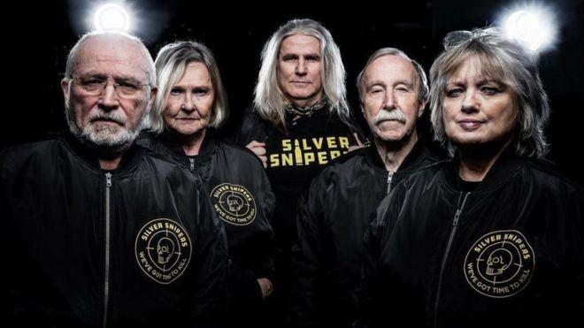 Faixa etária média dos 'Silver Snipers' é de 67 anos (Foto: BBC)