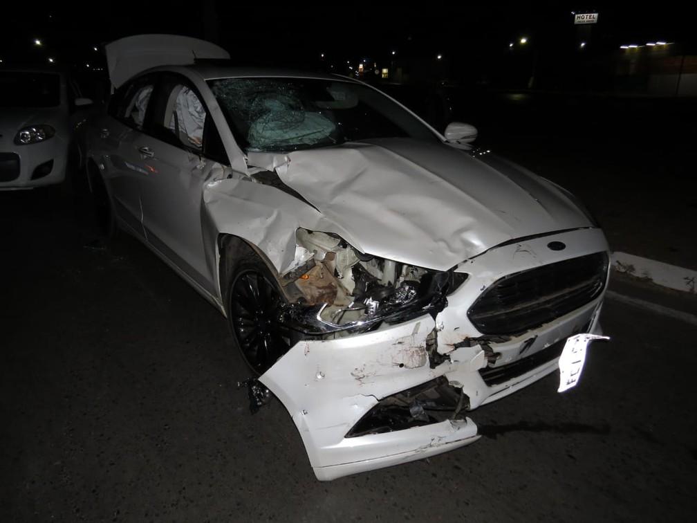 Carro ficou destruído após acidente — Foto: Edivaldo Braga/Blogbraga