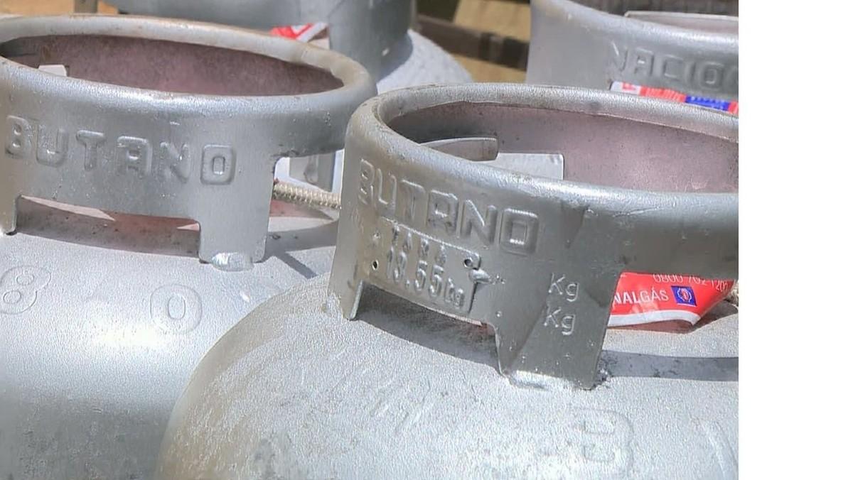 Operação da polícia detém vereador e suspeitos de venda clandestina de botijões de gás, em Amparo
