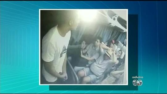 Imagens mostram ataque de criminosos em ônibus na BR-153; veja vídeo