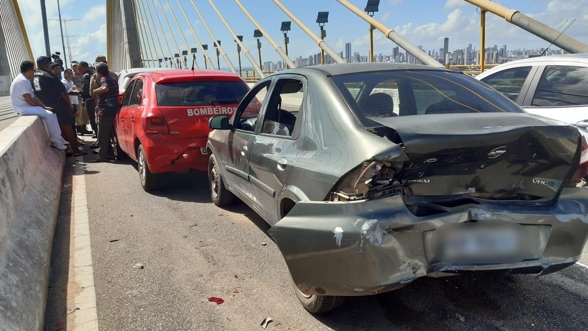 Acidente com sete carros e uma moto congestiona Ponte Newton Navarro em Natal - Notícias - Plantão Diário