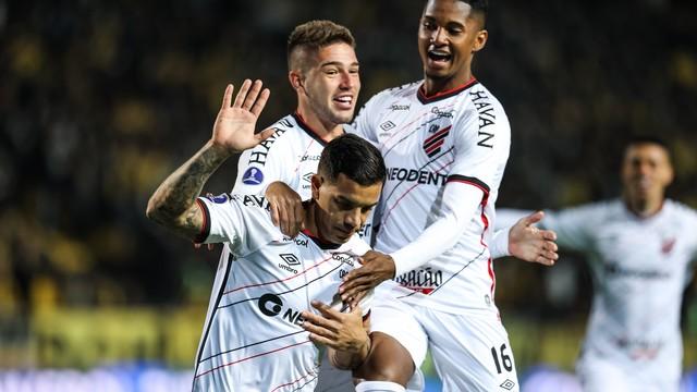 Registro de Peñarol 1x2 Athletico, pela semifinal da Sul-Americana