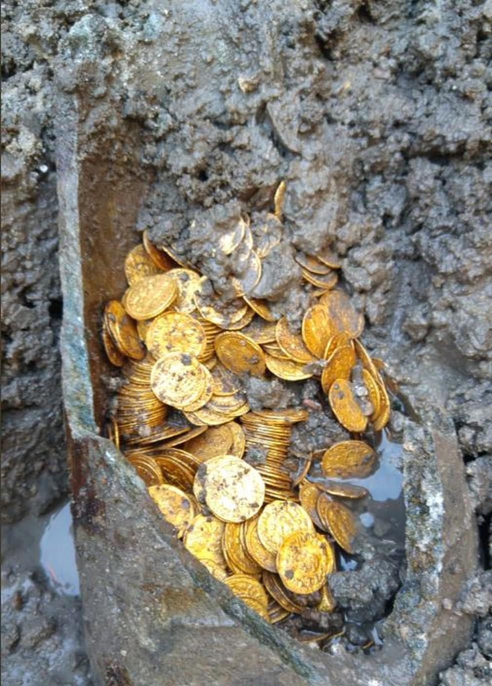 -  Moedas romanas encontradas no norte da Itália  Foto: Ministério para Bens e Atividades Culturais da Itália/Twitter/Reprodução