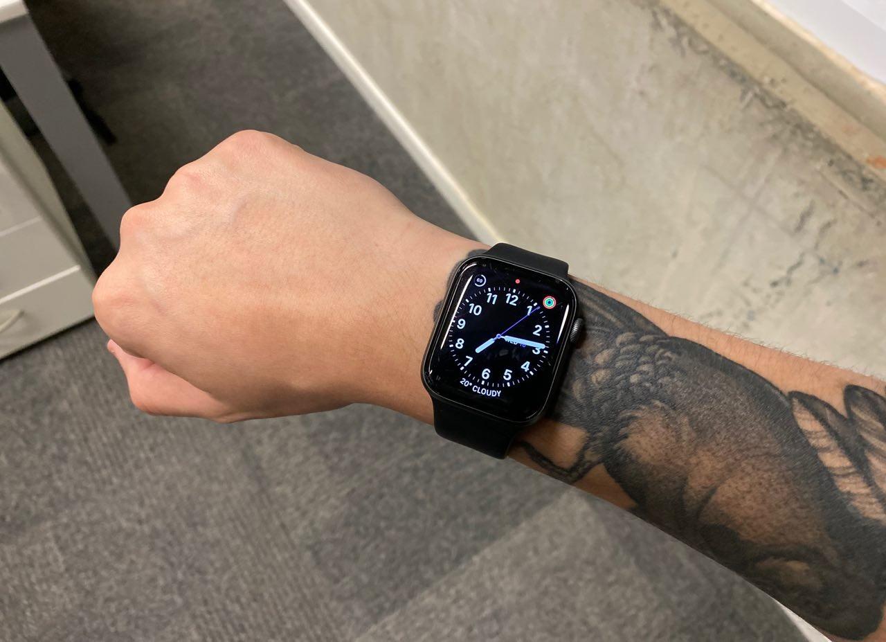 10 mil passos ou meia hora de exercício? Veja qual meta seguir no  smartwatch ou pulseira fitness