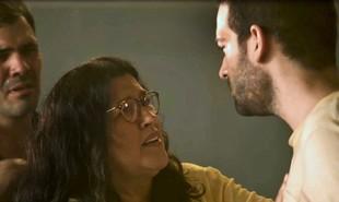 Na segunda-feira (9), Lurdes (Regina Casé) levará um celular clandestinamente para o presídio e o entregará para Sandro (Humberto Carrão) | Reprodução