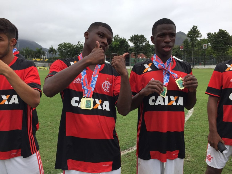 Lincoln e Vinícius Junior se destacaram nas categorias de base do Flamengo (Foto: gustavo rotstein)