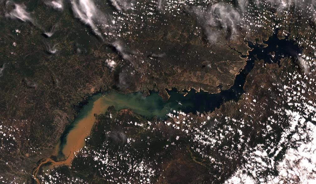 Foto em cor verdadeira mostrando o reservatório de Sobradinho, Rio São Francisco, e seu entorno. — Foto: Divulgação/ Inpe