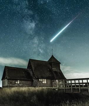 Céu do mês: chuva de meteoros Eta Aquarídeos e superlua iluminam maio