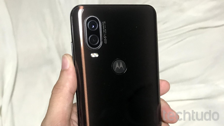 Review do Motorola One Vision, o celular que consegue ver no escuro