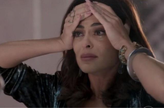 Juliana Paes em cena como Carolina em 'Totalmente demais' (Foto: TV Globo)