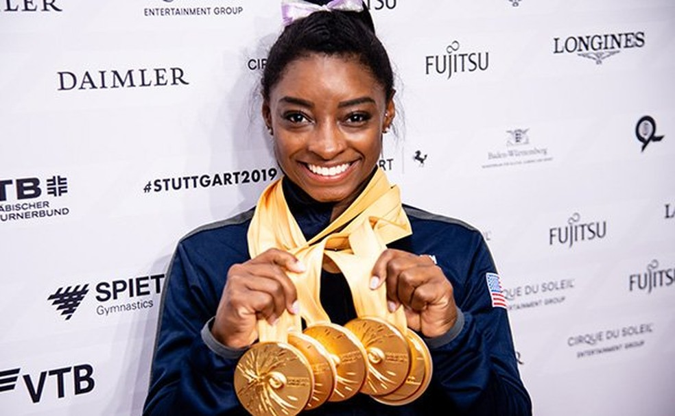 Simone Biles conquista cinco ouros no Mundial de Stuttgart — Foto: Reprodução/Twitter