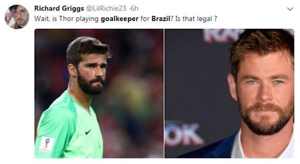 Um comparação entre o goleiro brasileiro Alisson e o ator Chris Hemsworth, intérprete do herói Thor nos filmes da Marvel (Foto: Twitter)
