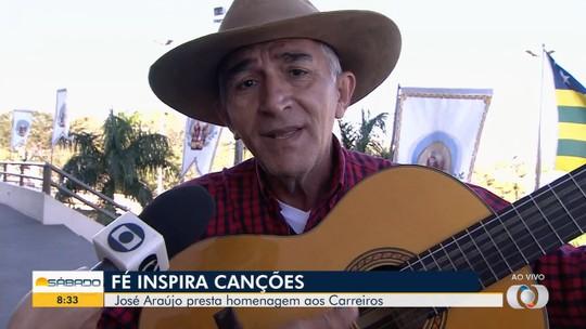 Cantor José Araújo faz homenagem aos carreiros, em Trindade