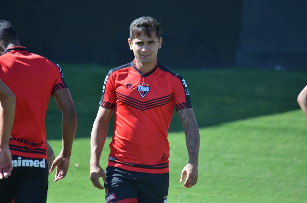 Everton Felipe, meia do Atlético-GO, está emprestado pelo São Paulo — Foto: Comunicação/ACG