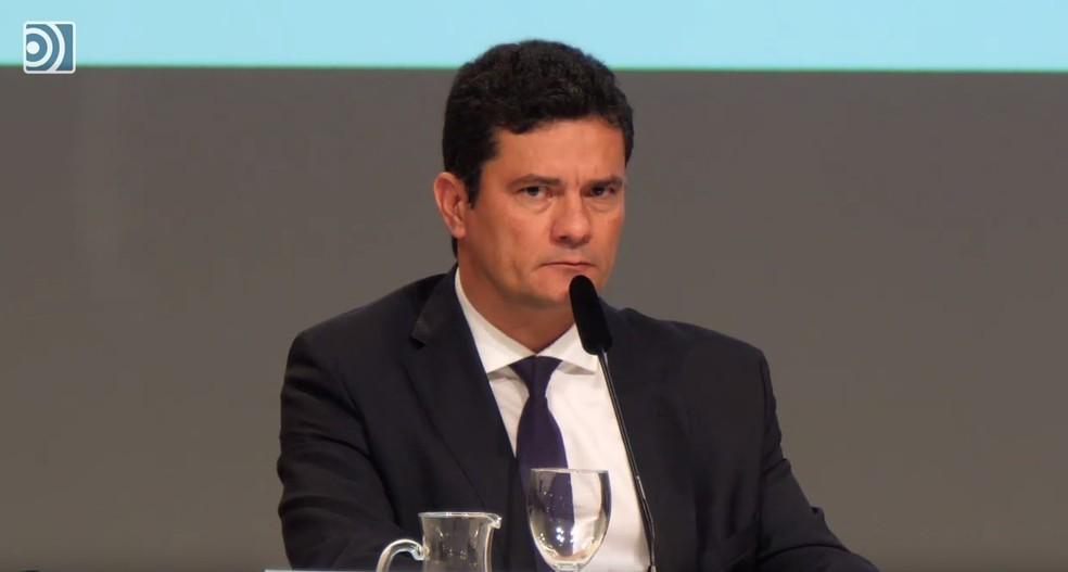 O ex-juiz federal Sérgio Moro, futuro ministro da Justiça, durante palestra na Espanha — Foto: Reprodução/YouTube