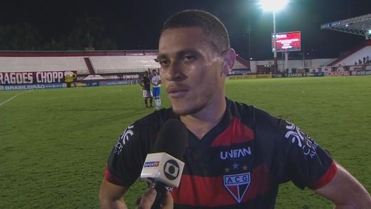 João Paulo celebra vitória na despedida do Accioly, admite futuro incerto e sonha com G-4