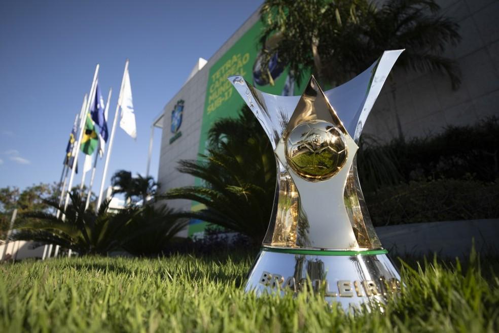 Taça do Campeonato Brasileiro — Foto: Lucas Figueiredo/CBF