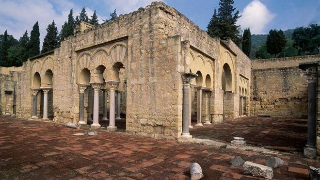 Concebida para ser deslumbrante: assim o califa Abderramão 3º imaginou Medina Azahara (Foto: Getty Images)
