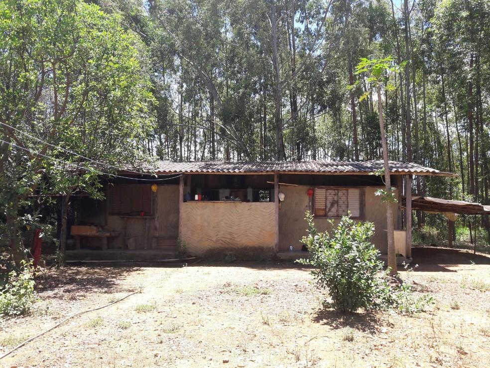Alojamento onde viviam trabalhadores resgatados em condições análogas à escravidão, em Alto Paraíso de Goiás   — Foto: Divulgação