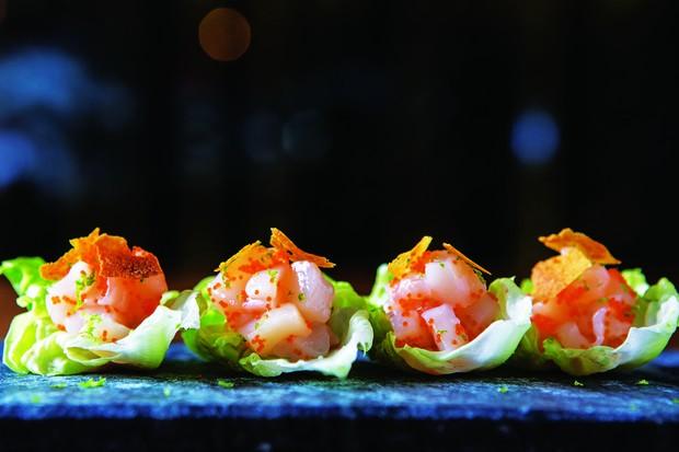 Tartar de Vieiras, Spicy Miso e ovas de capeli  (Foto: reprodução)