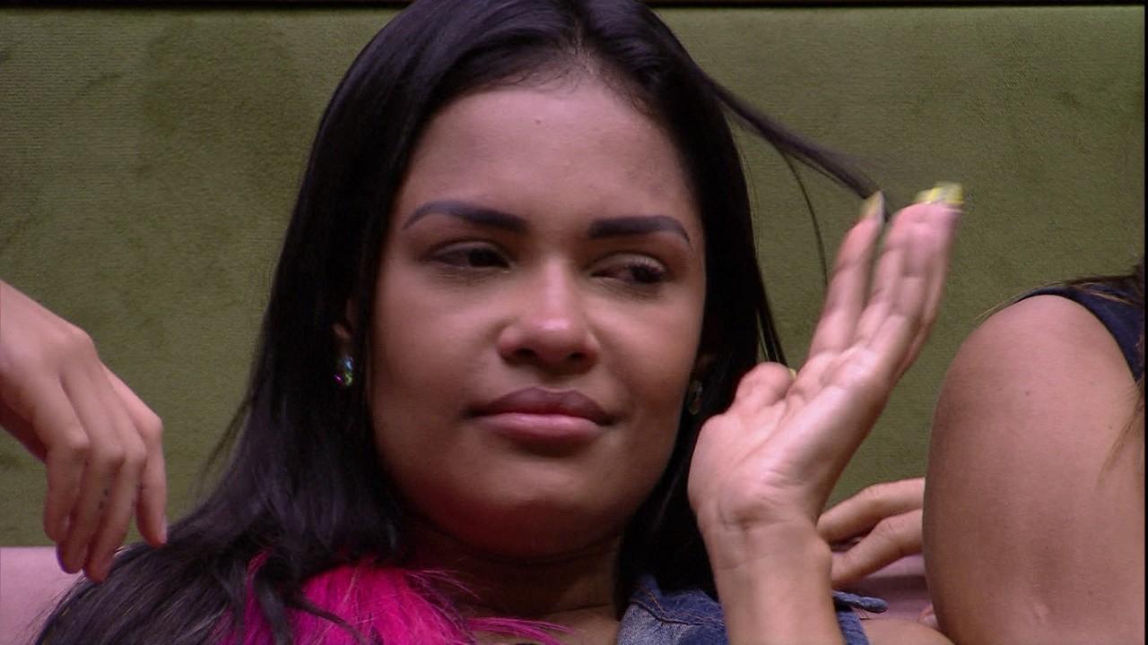 Flayslane chora por não ser escolhida por Gabi durante jogo da Discórdia