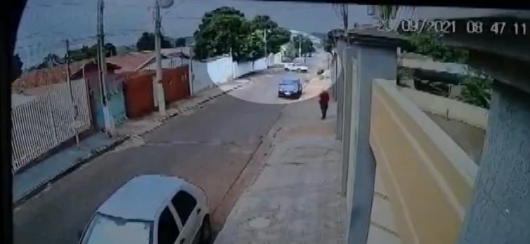 Mulher é presa suspeita de fazer parte de quadrilha que invade casas e força vítimas a fazerem transferências via PIX em MT