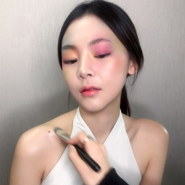 Sombra descombinada (Foto: Reprodução/Instagram)