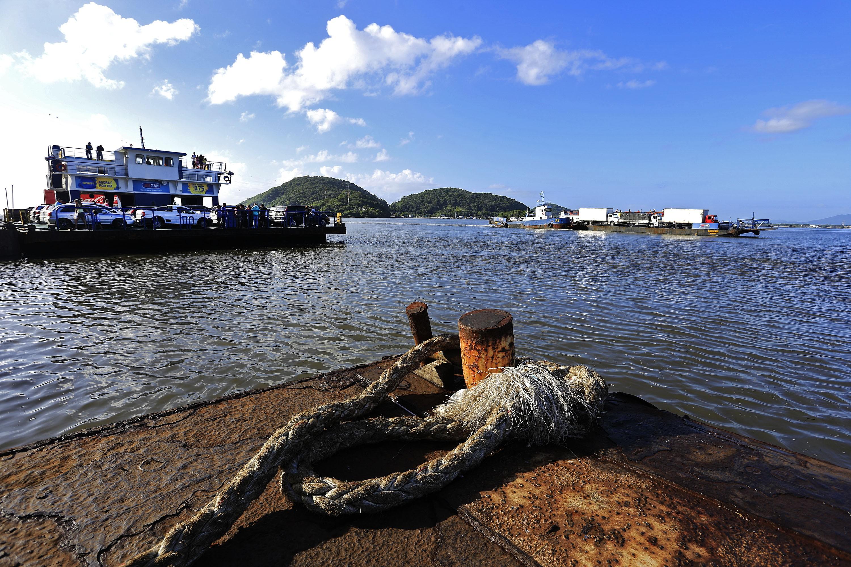 TCE-PR libera licitação para operação do ferryboat de Guaratuba e Matinhos