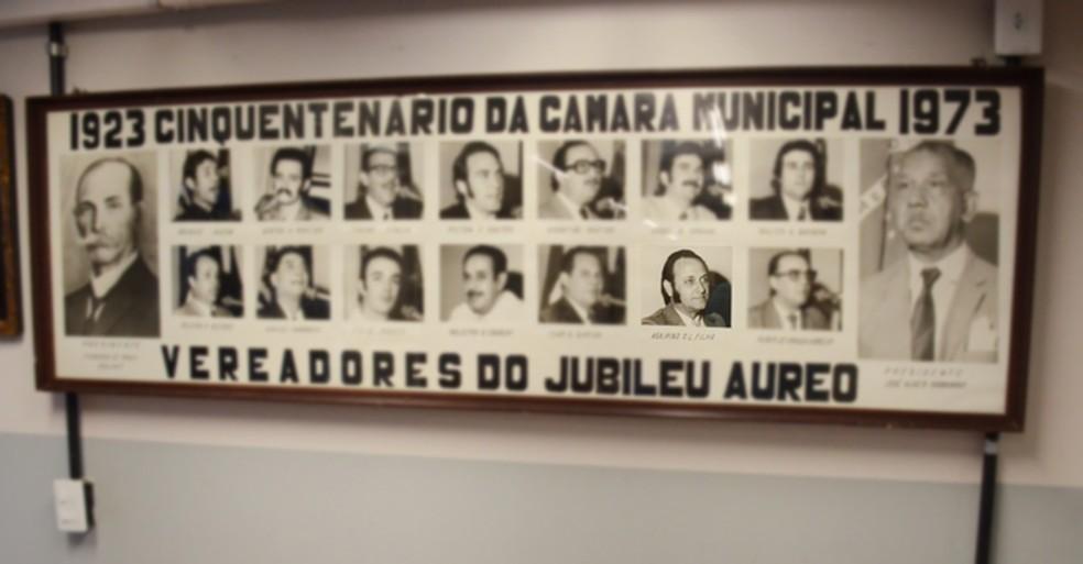 Foto de Agripino está no quadro comemorativo do Cinquentenário do Legislativo prudentino, no ano de 1973 (Foto: Divulgação/Câmara Municipal)