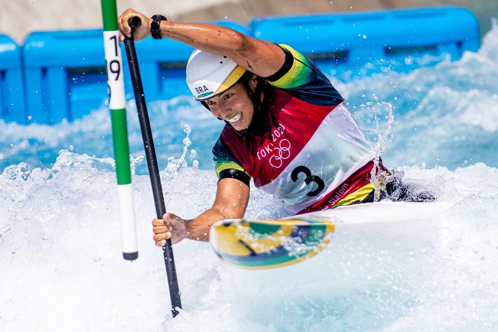 Ana Sátila nas eliminatórias do C1 feminino da canoagem slalom nas Olimpíadas de Tóquio 2020 — Foto: Miriam Jeske / COB