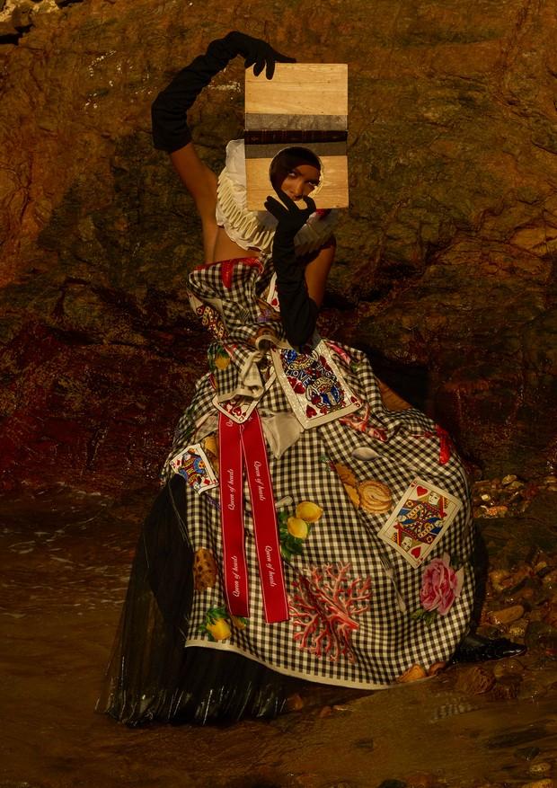 Vestido, Dolce & Gabbana. (Foto: Zee Nunes)