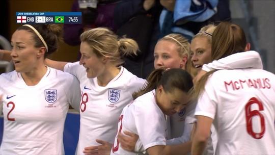 Seleção brasileira feminina perde de virada para Inglaterra na estreia da SheBelieves Cup
