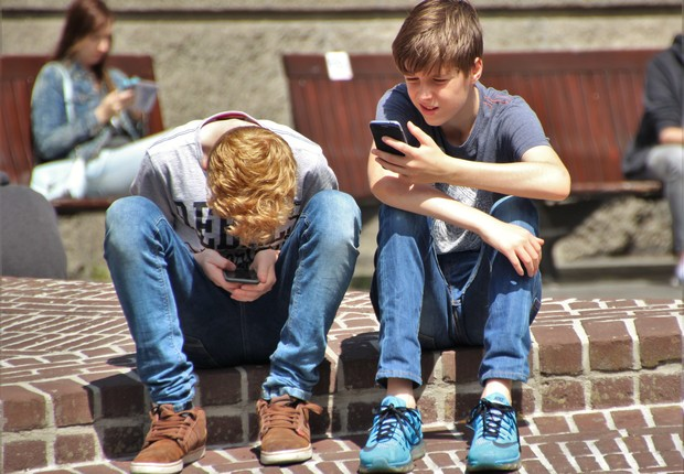 adolescente, celular, tecnologia (Foto: Pexels)