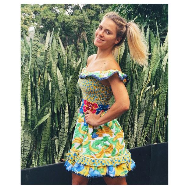 Carolina Dieckmann: #caipira mais #brazuca pra ver o jogo com o coração alegre feito festa junina... #brasileirinha (Foto: Reprodução/Instagram)