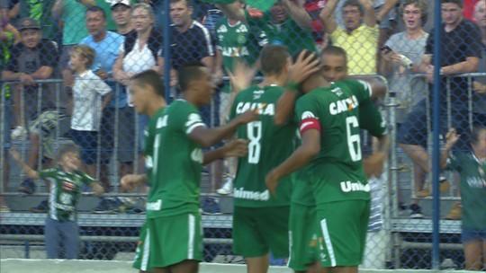 Com a macaca! Reinaldo e W. Paulista importam jogada da Ponte para Chape