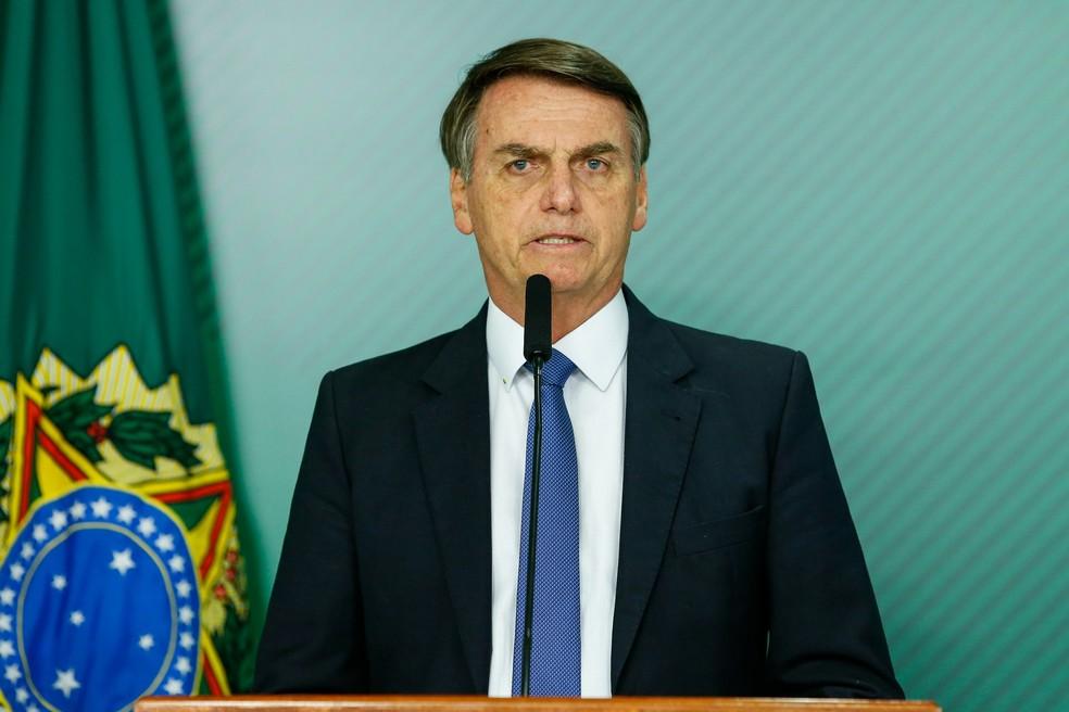 Bolsonaro dá entrevista sobre rompimento de barragem em Brumadinho — Foto: Isac Nobrega/Presidency Brazil/Handout via Reuters