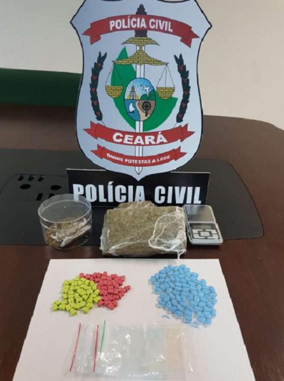 Outros dois homens foram presos com comprimidos de MDMA, em Fortaleza. — Foto: Polícia Civil do Ceará