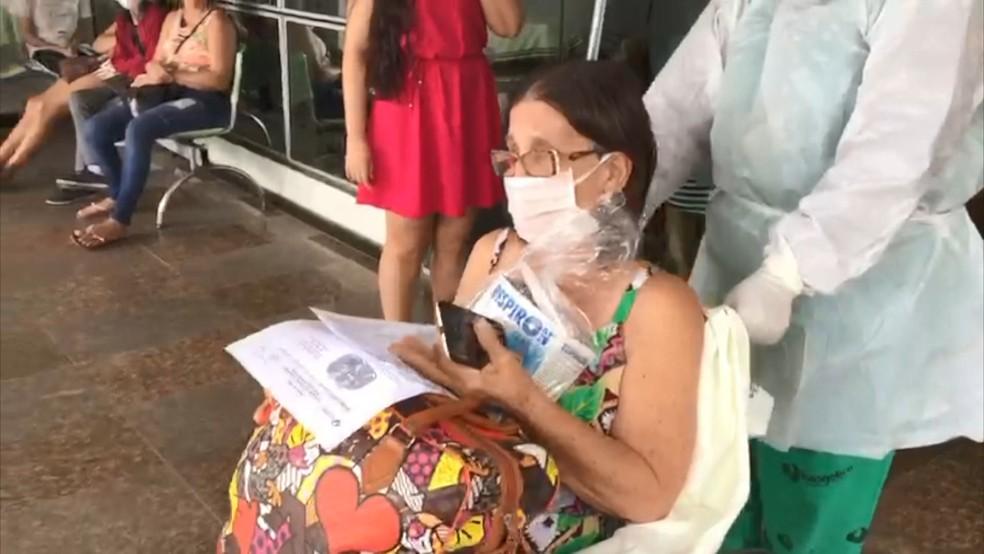 Idosa deixa hospital curada de Covid-19 — Foto: Reprodução/TV Gazeta