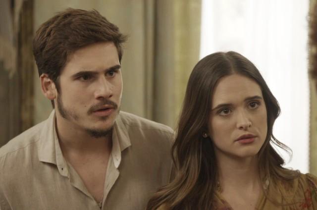 Juliana Paiva e Nicolas Prattes em 'O tempo não para' (Foto: Reprodução)