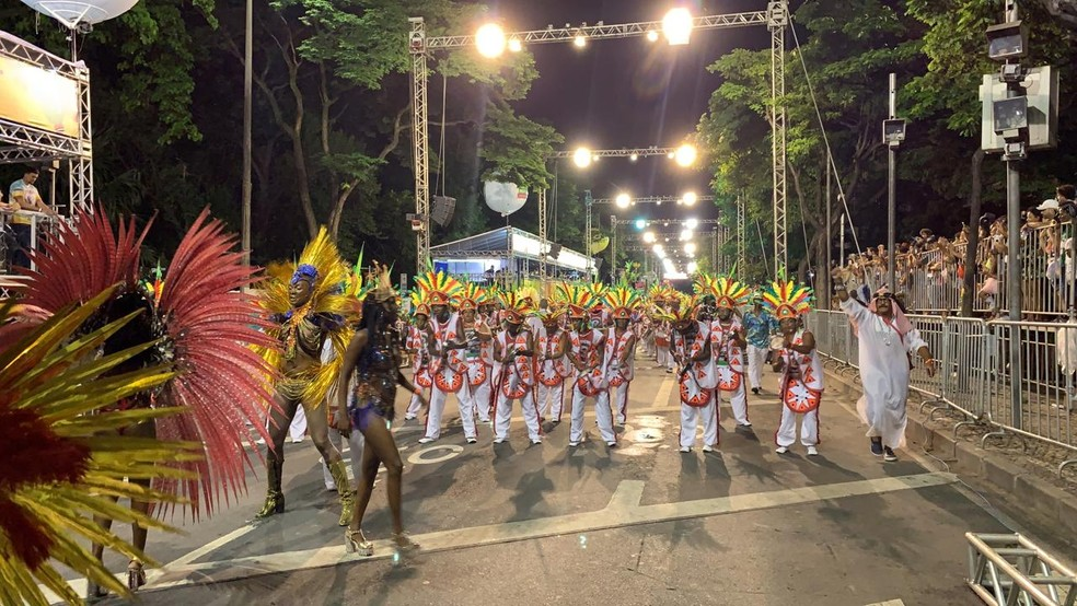Desfile da Unidos dos Guaranys — Foto: Nilton Junior/G1