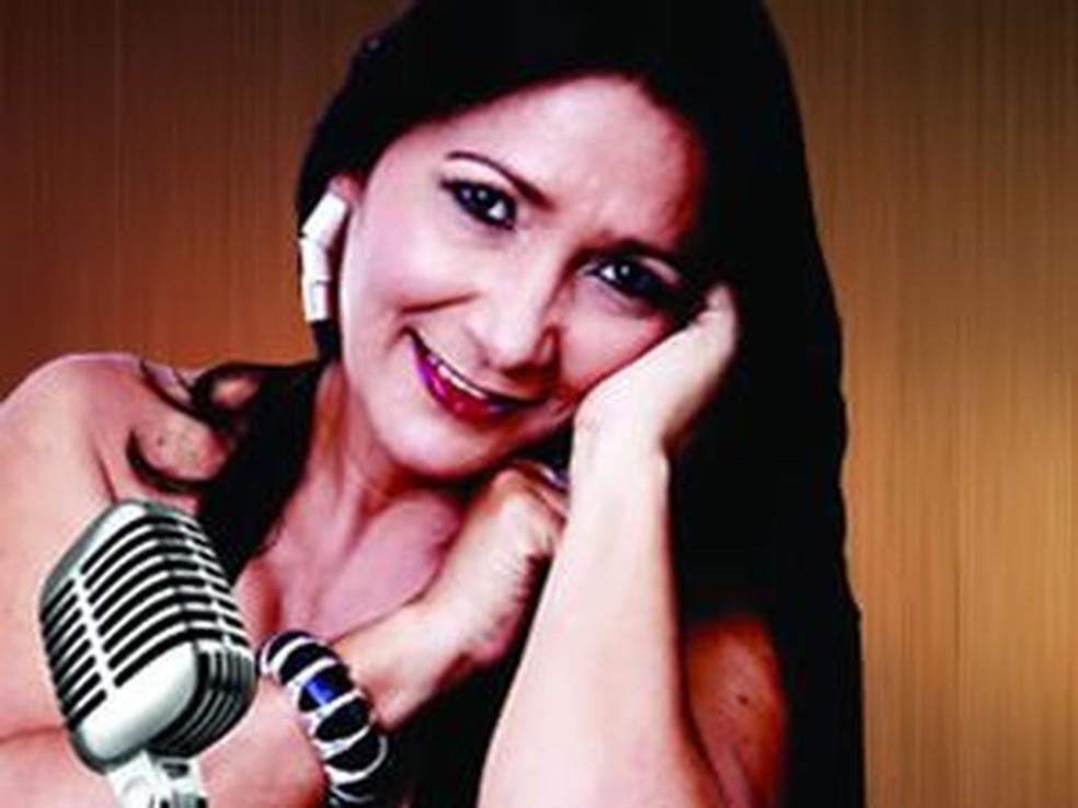 Núbia Faro prepara repertório com música brasileira  — Foto: Núbia Faro/Divulgação