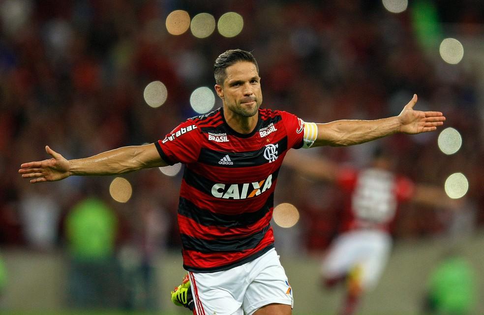 Diego comemora último gol de falta do Flamengo, em 2018 — Foto: Alexandre Durão/GloboEsporte.com