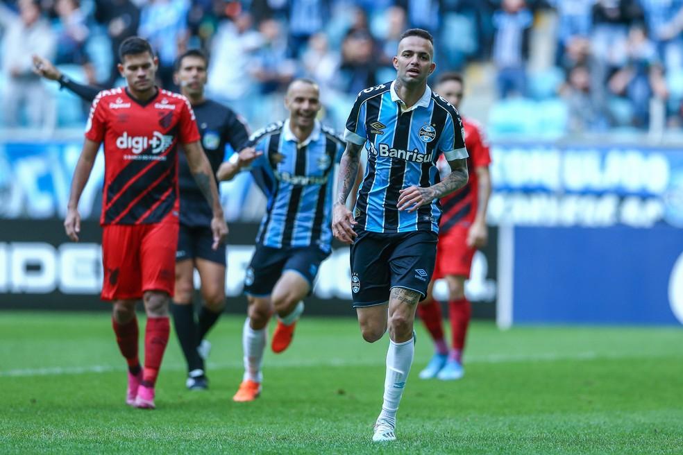 Luan marca contra o Athletico — Foto: Lucas Uebel / Grêmio, DVG