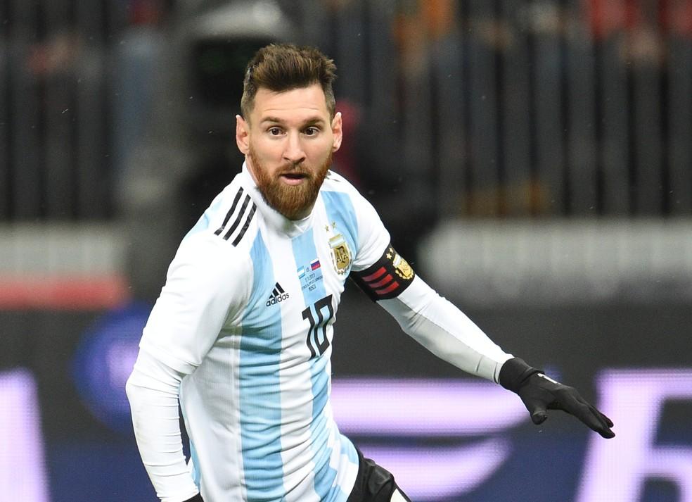 Messi em ação pela Argentina: craque ainda busca seu primeiro título pela seleção do seu país (Foto: Getty Images)