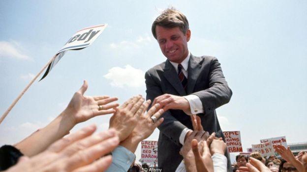 Em discurso em 1966, Robert Kennedy falou sobre 'ondas de esperança' - linha de raciocínio ecoada na retórica de Obama quatro décadas depois (Foto: Alamy via BBC News Brasil)