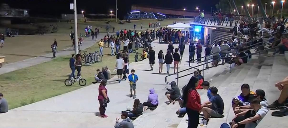 Feriado de Tiradentes registra pontos de aglomeração em Porto Alegre