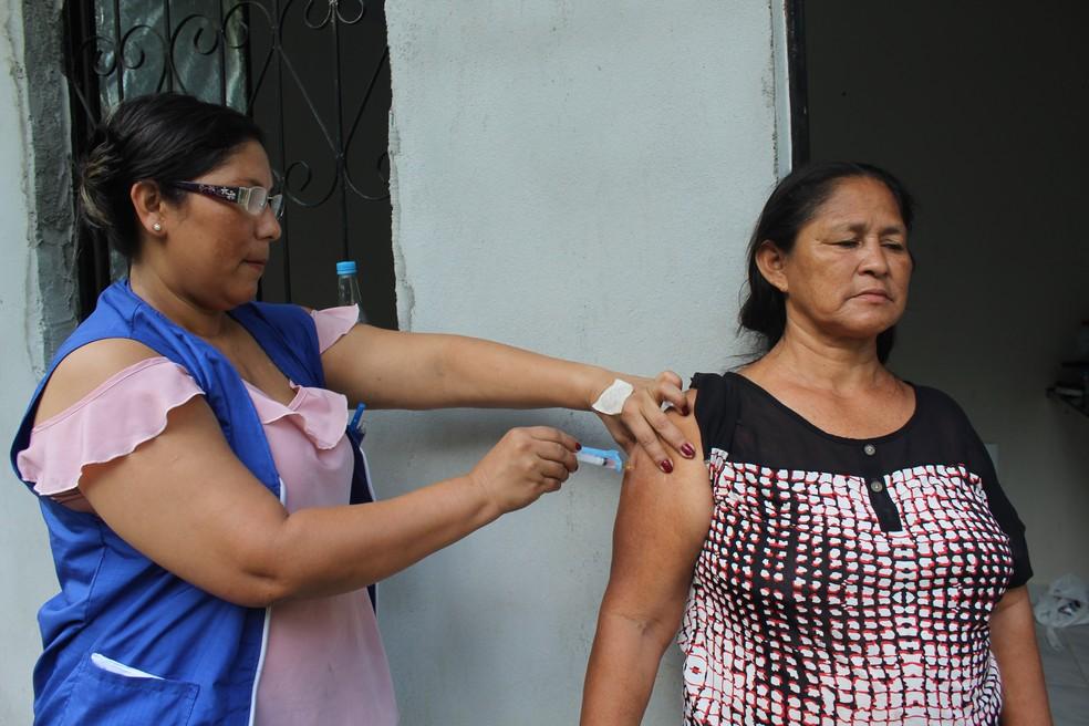 Vacinação contra sarampo na Zona Leste de Manaus (Foto: Patrick Marques/G1 AM)
